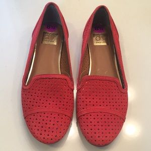 Dolce Vita coral perforated loafer flats 8.5